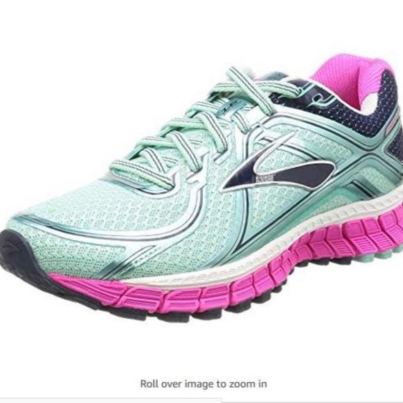 Like New Brooks Adrenaline GTS 16 Running Shoes
